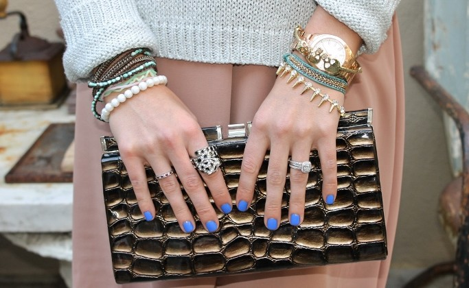 Sally-Hansen-Pacific-Blue-Nail-Polish-Gold-Stacked-bracelets-Pearl-bracelets-gold-arm-candy-crocodile-clutch (683x455)