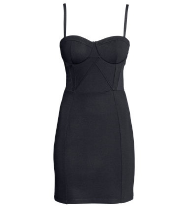This sexy bustier dress is your little black dress for basically every occasion. Whether you want to hit up a club or you are invited to a theater night.  Make it happen! It couldn´t be any more charming for your bomshell body! ( Dress: H&M, 39.95)